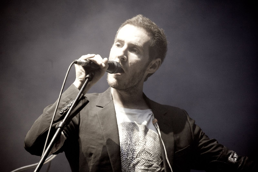 Robert_del_Naja_performing_with_Massive_Attack_in_Sydney,_2010